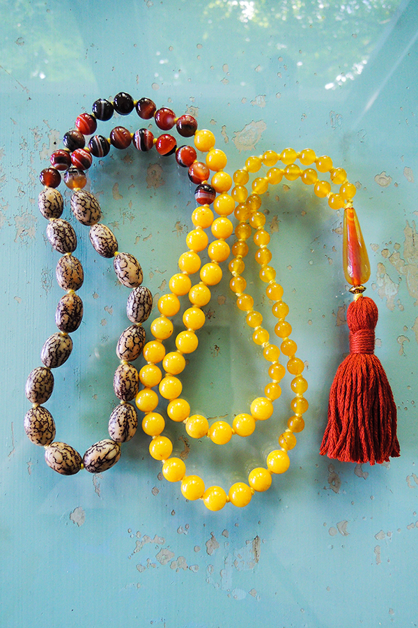 bodhi tree and agate mala beads