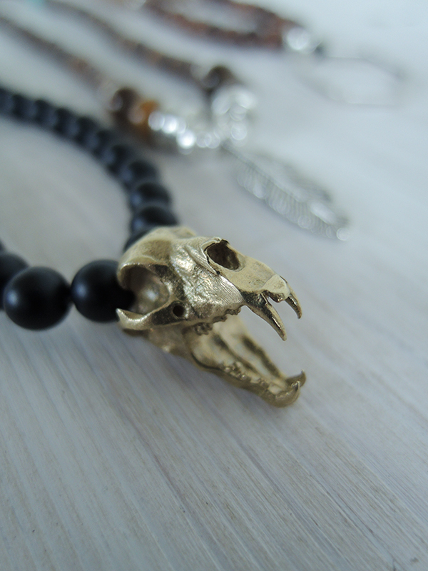 Tiger Skull Charm and Frosted Agate Beads 42€